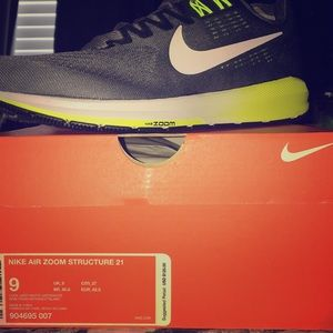 (New) Nike Air Zoom Structure 21